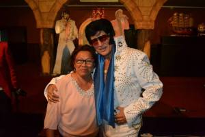 Elvis 2000 with audience after Costa Blanca tour in 2014